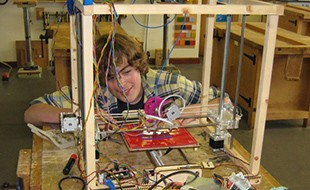Budehaven Student Makes His Own 3D Printer